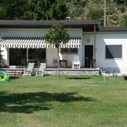 Een van de bungalows gelegen direct aan het Comomeer